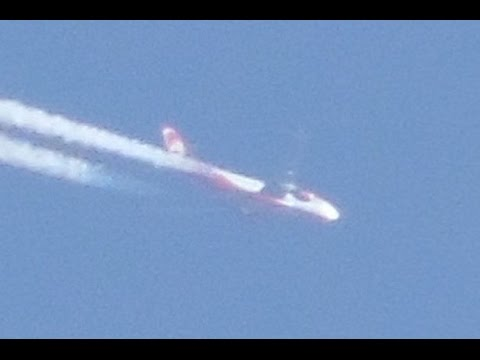 UFO sighting: Photographer captures '14-strong fleet' of unidentified 'crafts'