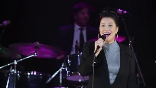Holly Cole - I Can See Clearly Now (live)