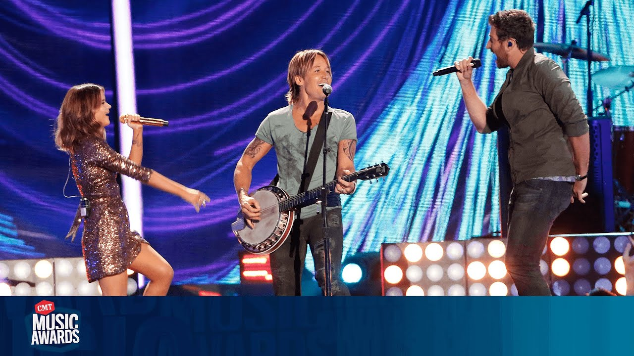 Keith Urban Performs 'Wasted Time' ft. Maren Morris & Brett Eldredge at 2016 CMT Music