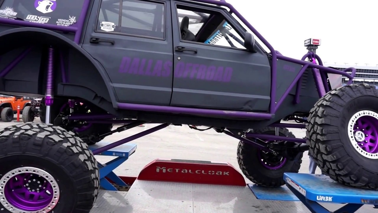 Awesome XJ Cherokee Buggie on 42's Maxing Out trailer at Offroad Expo