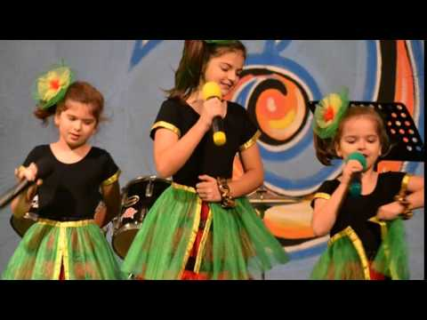 The Trio Sisters performing - MILIOANE