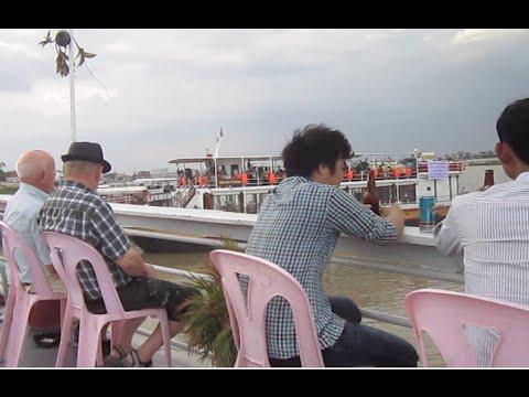 Download Boat tour in Phnom Penh city 5000 riel for Khmer $5 for foreigner