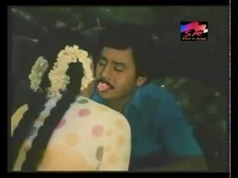 Melam Kotu Thali Kattu│Saranya Romancing With Ramarajan thumbnail
