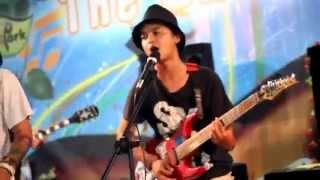 Crazyrasta-Di Dekatmu live Bekasi Square 2014
