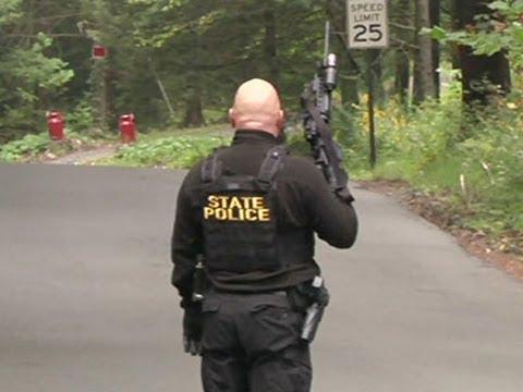 Raw: Police, FBI Search for Pa. Shooting Suspect, September 20, 2014 - Associated Press  - NtdfdUq8ezU -