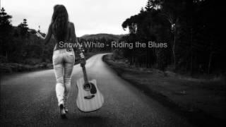 Snowy White Riding The Blues
