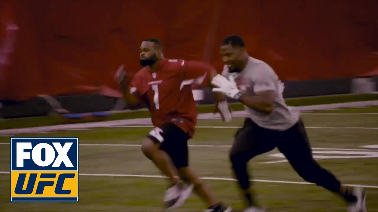 Tyron woodley works out with David Johnson from the Arizona Cardinals