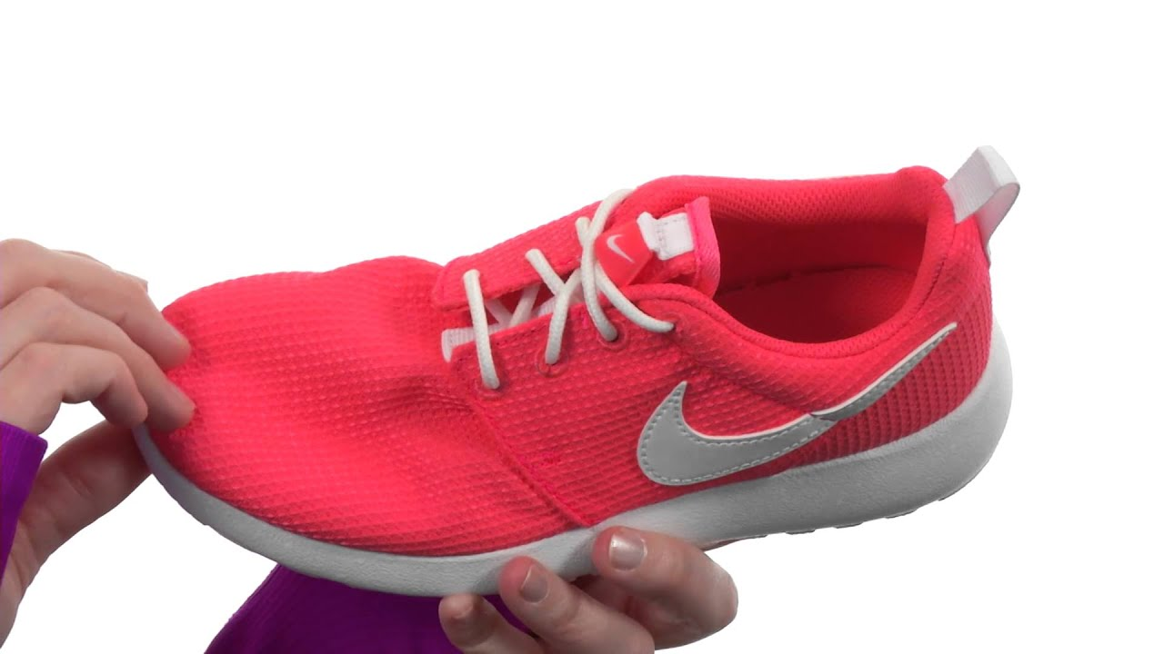Nike Kids Roshe Run Glow (Little Kid/Big Kid) SKU:8406530