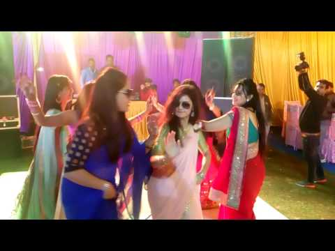 Kala chashma+balle balle di soniya dance