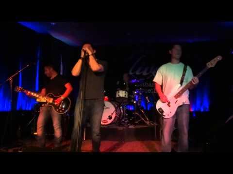 Dead Fish Handshake - Leave The Light On - 10th Street Live - Jul 25 2015