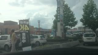 エディオン三田ウッディタウン店の駐車場に入りました。I entered the parking lot of Edion Sanda Woody town store.