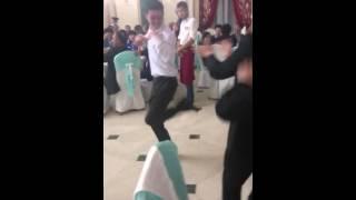 Акылбек зажигает на свадьбе в талдыкургане