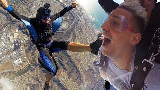 FIRST TIME SKYDIVING for 25TH BIRTHDAY! *14,000ft NEAR COLLISION!*