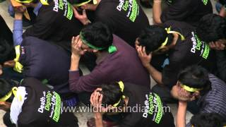 Kargili muslims crying during Muharram
