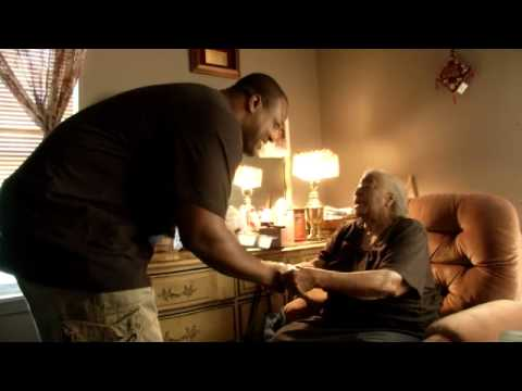 Cory Redding delivers meals to the elderly [Feb. 20, 2013]