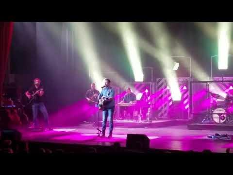 Why don't we just dance ( Josh Turner Live Concert)