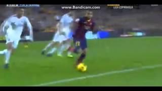 Download Video Epic Nuts! Dani Alves pushes the ball through Cristiano Ronaldo's legs! MP3 3GP MP4
