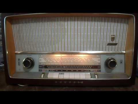 PRUEBA DE CONEXION MP3 EN RADIO ANTIGUA GRUNDIG
