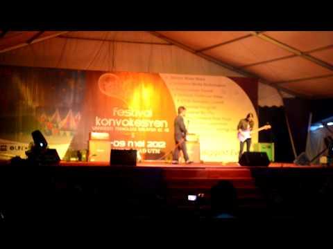Shahrul Ekamatra-INSTRUMENTAL [Live] UTM Konvokesyen ke 48 2012 .