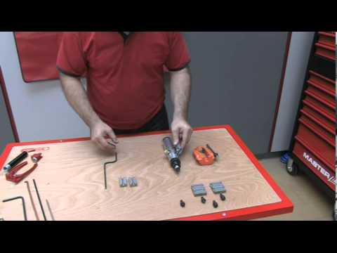 appareil collet pour durite de frein flarefix avec v rin hydraulique youtube. Black Bedroom Furniture Sets. Home Design Ideas