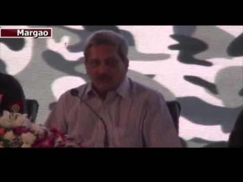 """Defence Minister """"Parrikar"""" at Defence Expo"""