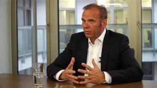 Bernd Hoffmann spricht über die Zukunft des HSV nach dem Abstieg