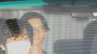 東京湾岸署に移送される田口淳之介容疑者と小嶺麗奈容疑者
