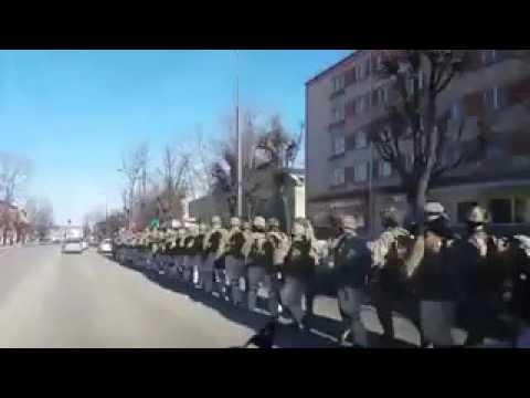 Jestli tohle není příprava na válku, tak co potom dělají američtí vojáci v evropských ulicích?