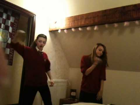 Elizaarr&Lizzie Dancing FreeStyle. Cheryl Cole - Fight For This Love