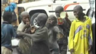 Doku- Strassenkinder im Senegal- von Charles M. Huber- Afrika Direkt e.V.