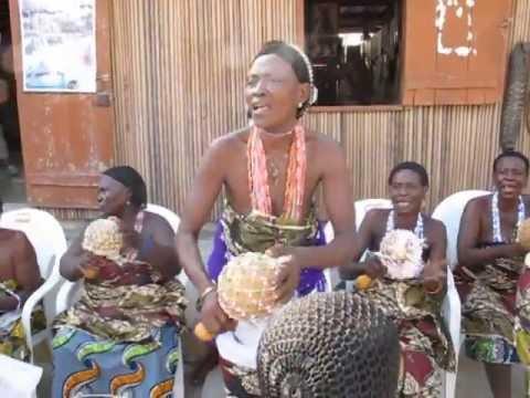 Ganvie women singers, Benin