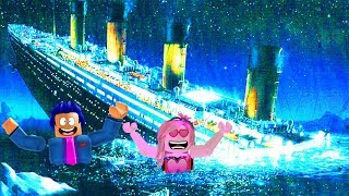 🚢 TITANIC SINKS IN ROBLOX!🚣 Will WE SURVIVE?