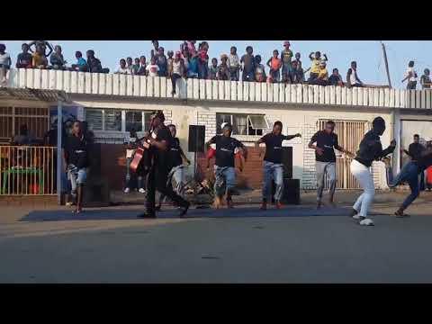 Download Umlungu performing Usibali