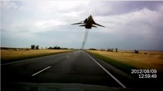 HD Extreme Sukhoi SU-24 Low Pass Over a Highway