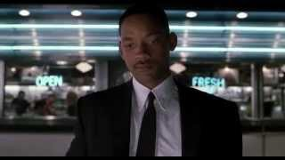 Frank Singing Who Let the Dogs Out - Men in Black 2 Movie