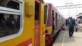 Evakuasi Rangkaian KRL Eks-Tokyo Metro 05-007F