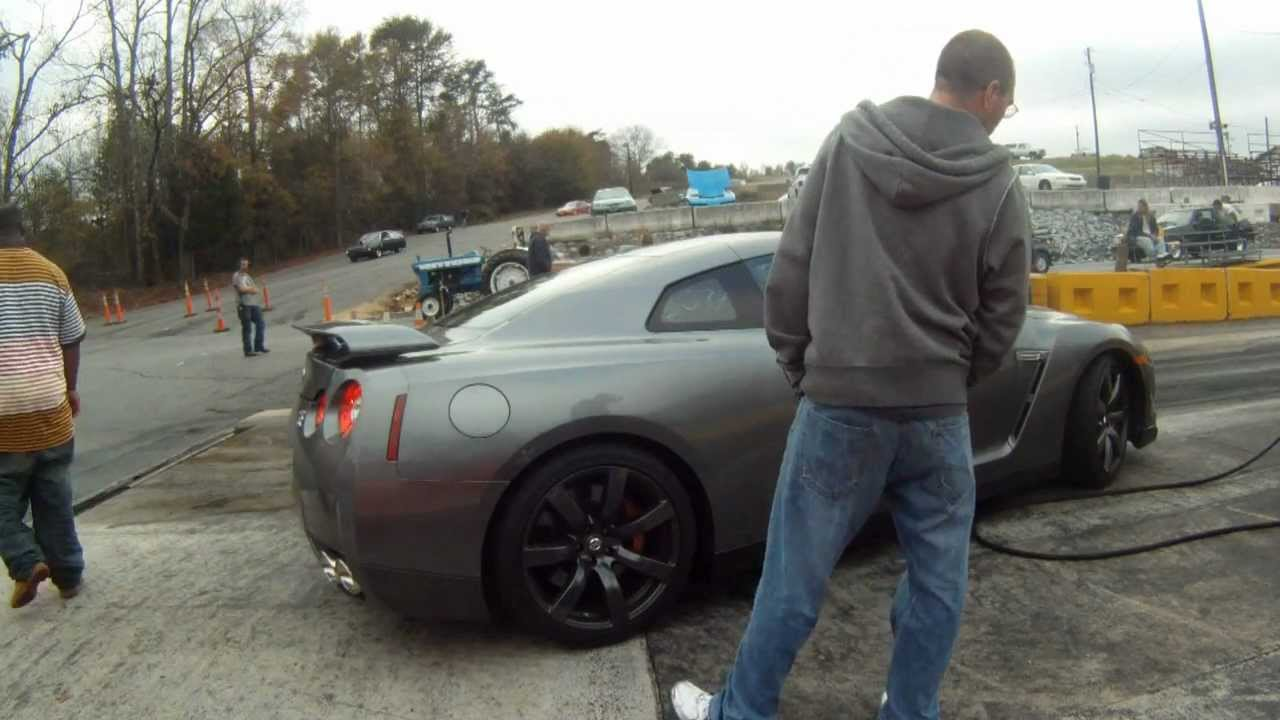 2007 Shelby Gt500 Vs Nissan Gt R Youtube