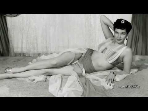 Hollywood Legend -  YVONNE DE CARLO  - The First Mother Munster HD
