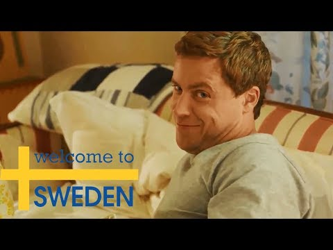 Blooper  Bruce & Emma in bed Welcome to Sweden