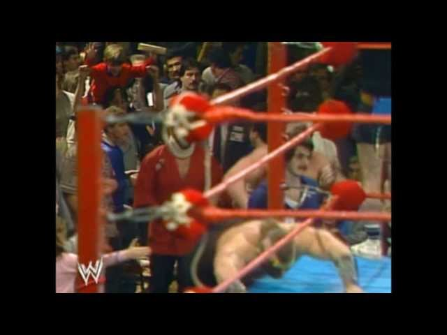 Old-School Wrestling: 8 Entrance Themes We Loved And 7 We Hated