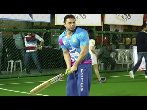 Salman Khan's Brother Playing Cricket With Bollywood Celebs For Tony Premier League 2017