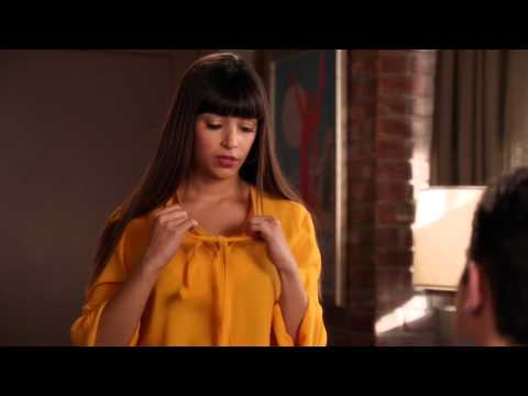 Hannah Simone @ New Girl s01e18