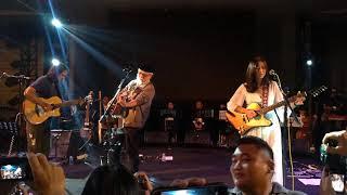 Iwan Fals feat. Danilla & Jason Ranti - Belum Ada Judul live at Tiba-tiba Suddenly Konser
