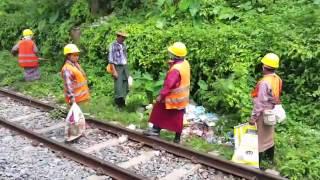 STEVE KYTE'S MYANMAR - PART 1 - Yangon Circle line train