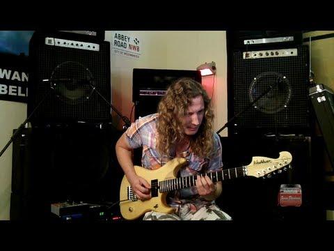 Тренировка слуха. Подбор мелодий на гитаре.