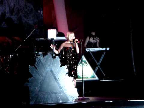 "Little Boots performing ""Remedy"" at the International Dance Music Awards - WMC 2010"