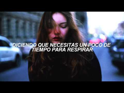 Maroon 5 - Cold ft Future ( ESPAÑOL) Official