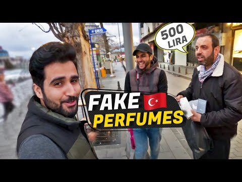 Buying in black on Istanbul Streets