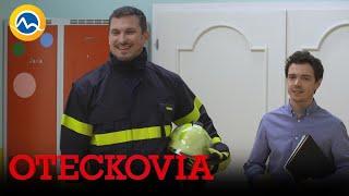 OTECKOVIA - Adam je v hasičskej uniforme ako ryba vo vode