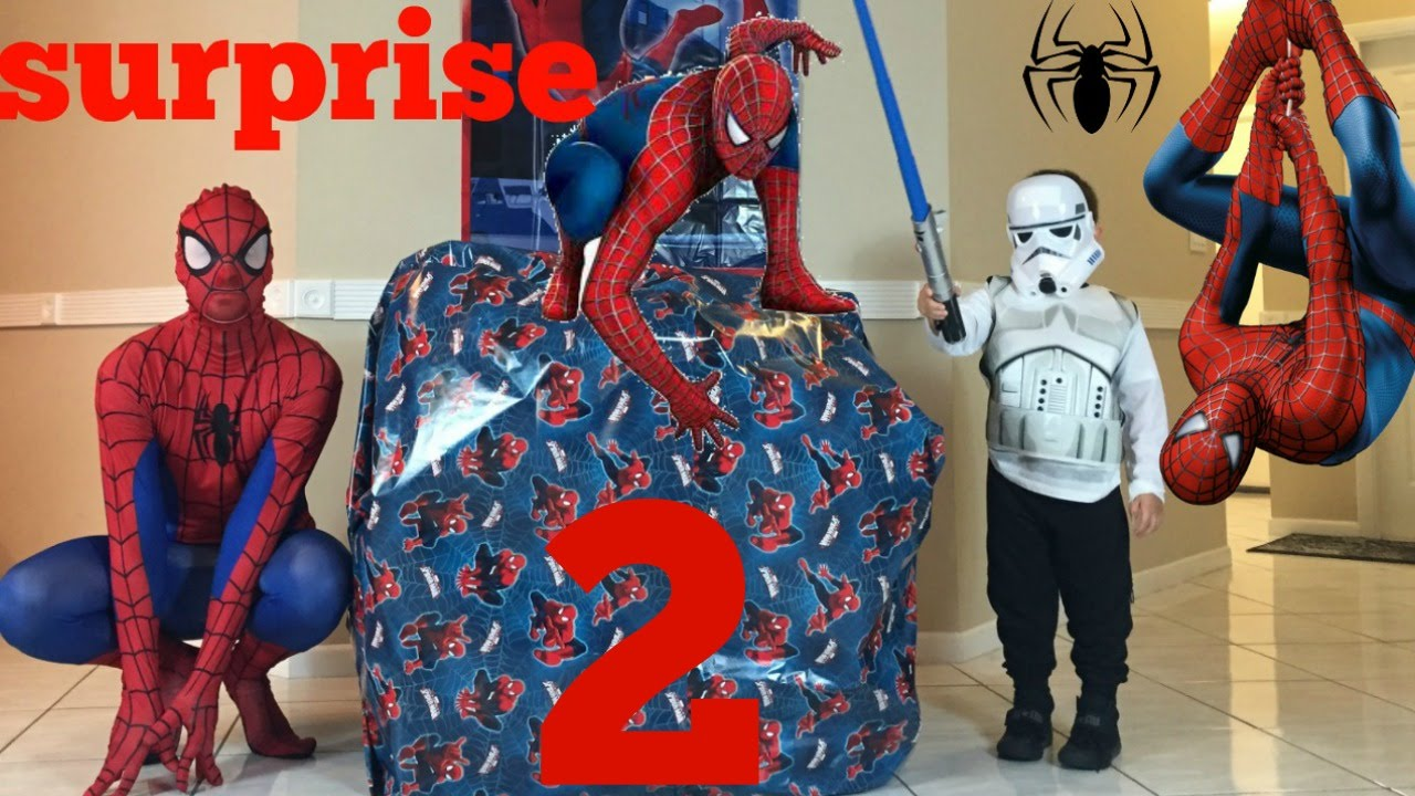 Spiderman Toys For Kids : Big spiderman present surprise toys and video